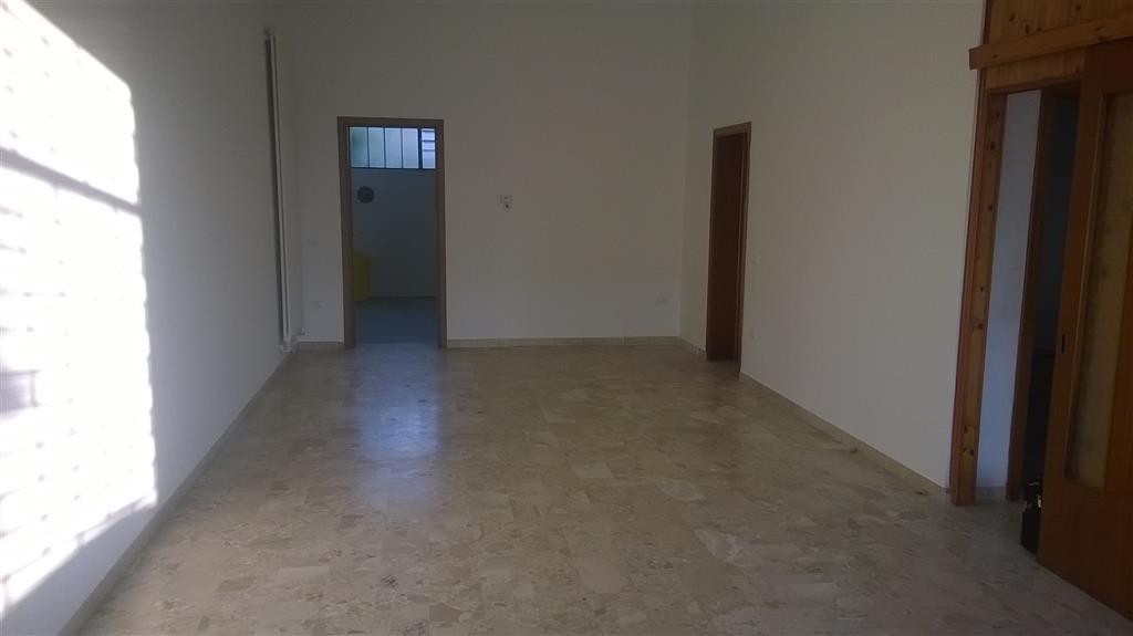 Negozio / Locale in affitto a Lusia, 4 locali, prezzo € 380 | Cambio Casa.it