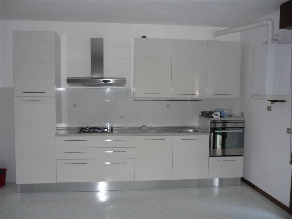 Appartamento in affitto a Lendinara, 5 locali, prezzo € 380 | Cambio Casa.it