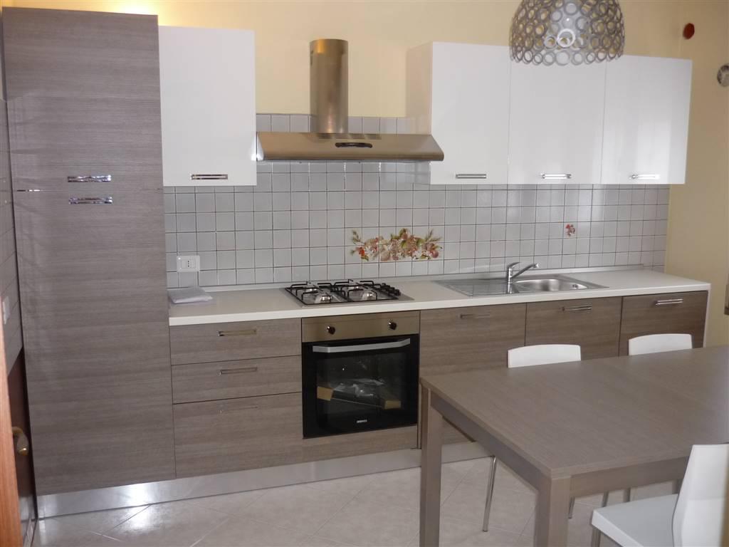 Appartamento in affitto a Lendinara, 6 locali, prezzo € 440   Cambio Casa.it