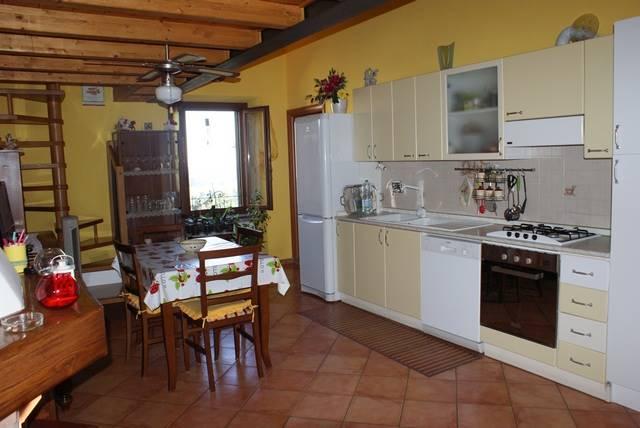 Appartamento in vendita a Riparbella, 4 locali, prezzo € 120.000 | Cambio Casa.it