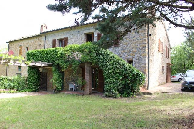 Rustico / Casale in vendita a Montescudaio, 5 locali, prezzo € 320.000 | CambioCasa.it