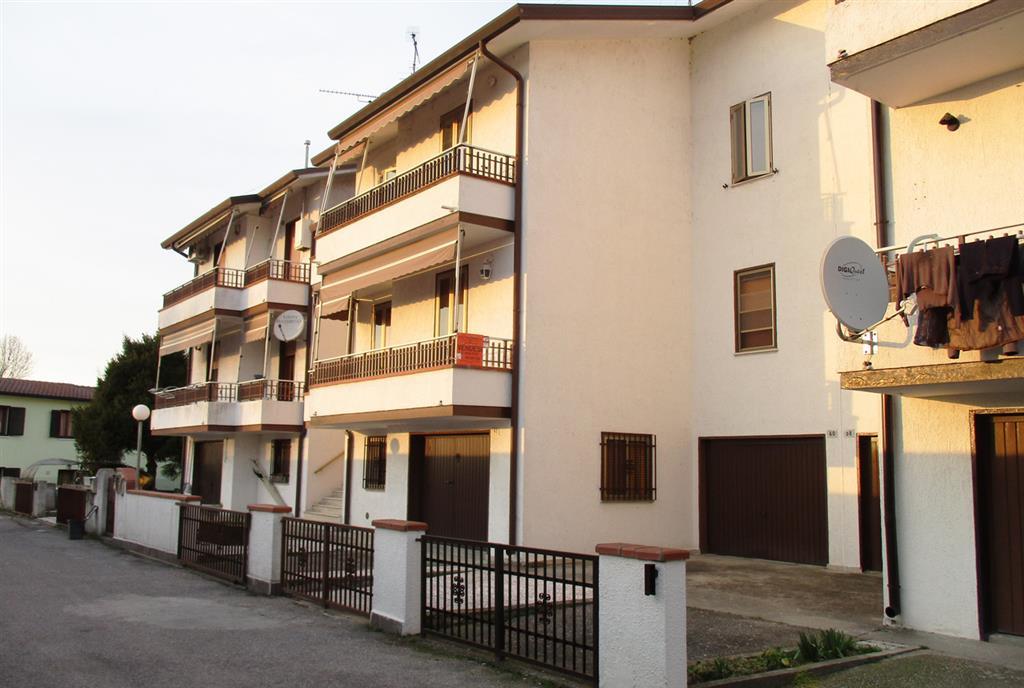 Appartamento in vendita a Fiscaglia, 4 locali, zona Località: Migliaro, prezzo € 55.000 | CambioCasa.it