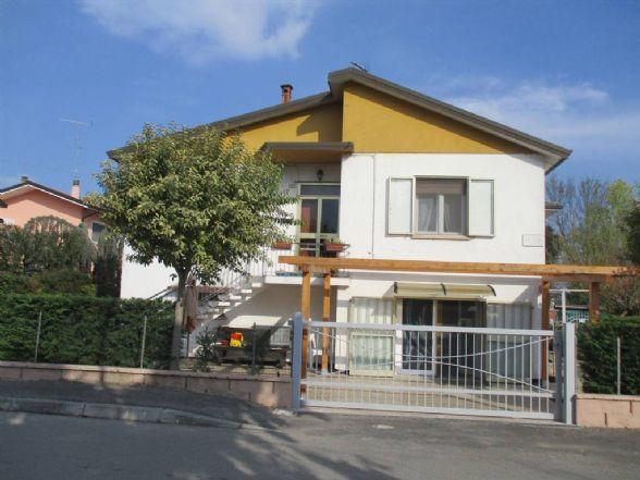 Soluzione Indipendente in vendita a Ostellato, 5 locali, prezzo € 119.000 | CambioCasa.it