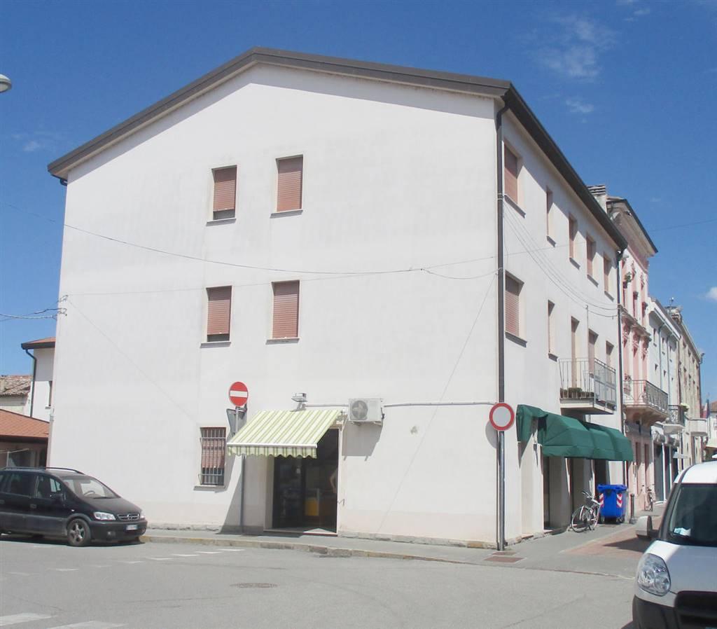 Appartamento in vendita a Fiscaglia, 3 locali, zona Località: Massa Fiscaglia, prezzo € 57.000 | CambioCasa.it