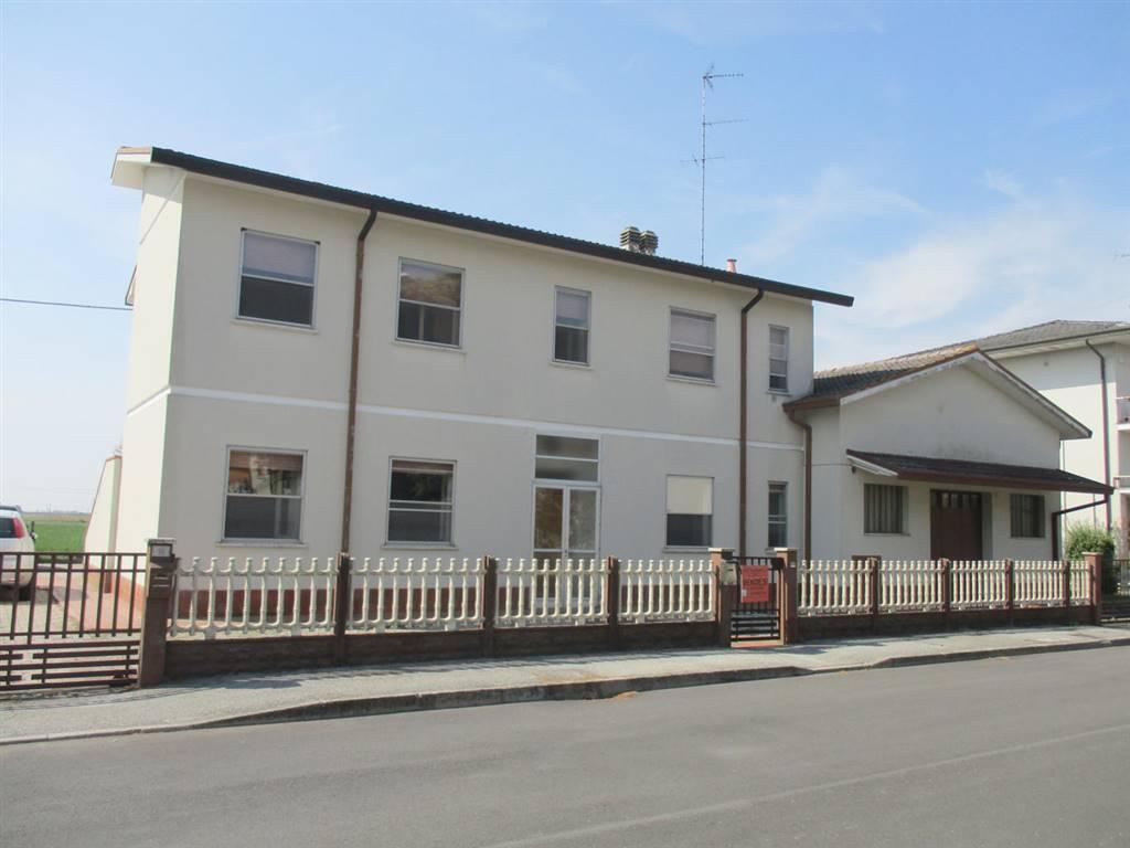 Soluzione Indipendente in vendita a Ostellato, 8 locali, zona Località: DOGATO, prezzo € 130.000 | CambioCasa.it
