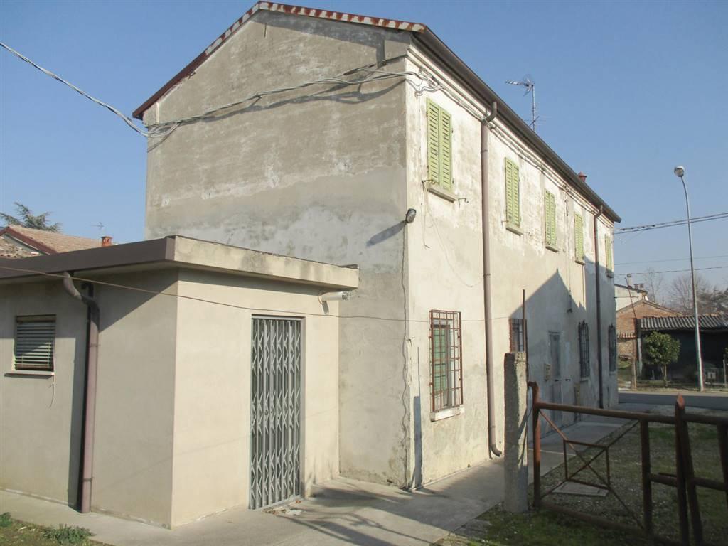 Villa-Villetta  in Vendita a Ostellato
