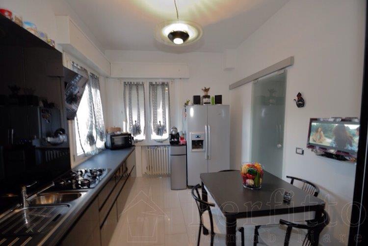 Soluzione Indipendente in vendita a Rimini, 5 locali, zona Zona: Lagomaggio, prezzo € 245.000 | CambioCasa.it