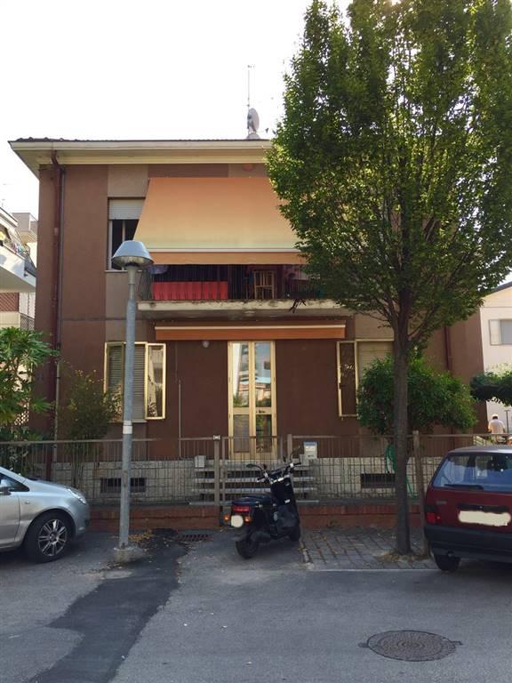 Soluzione Indipendente in vendita a Rimini, 10 locali, zona Zona: San Giuliano, prezzo € 690.000 | Cambio Casa.it