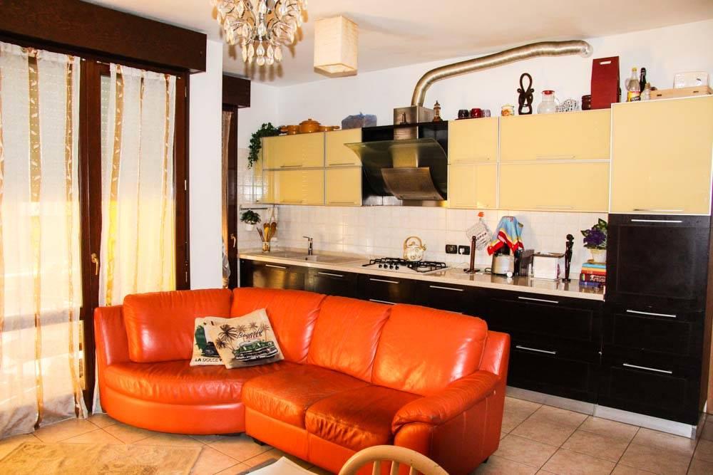 Appartamento in vendita a Rimini, 4 locali, zona Zona: Marecchiese, prezzo € 245.000 | CambioCasa.it