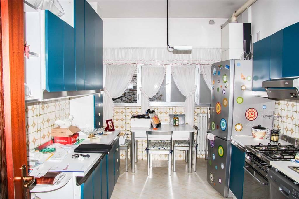 Appartamento in vendita a Rimini, 5 locali, zona Zona: Fiera vecchia, prezzo € 195.000 | CambioCasa.it