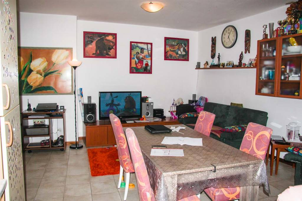 Appartamento in vendita a Rimini, 4 locali, zona Zona: Grotta Rossa, prezzo € 145.000 | CambioCasa.it