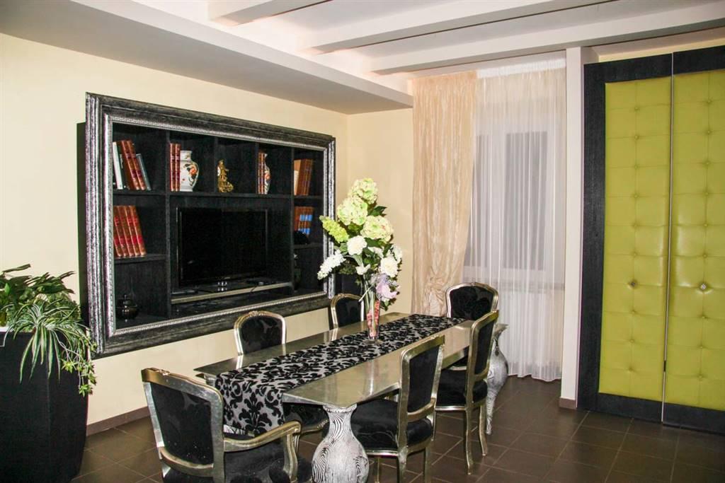 Villa in vendita a Rimini, 9 locali, zona Zona: Via Coriano, prezzo € 845.000 | CambioCasa.it