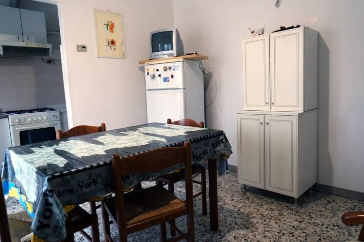 Appartamento in vendita a Rimini, 6 locali, zona Zona: Pascoli, prezzo € 189.000 | CambioCasa.it