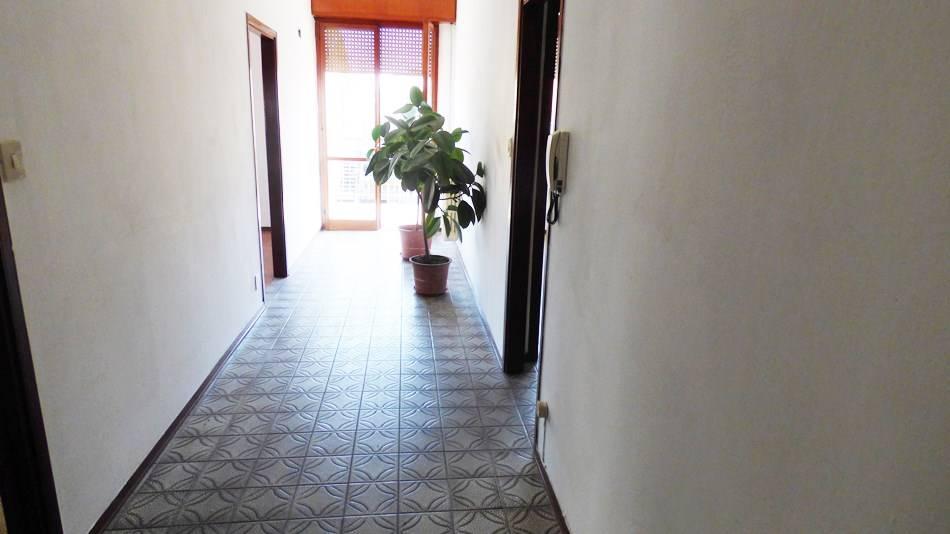 Appartamento in vendita a Rimini, 4 locali, zona Zona: Rivazzurra, prezzo € 195.000 | CambioCasa.it