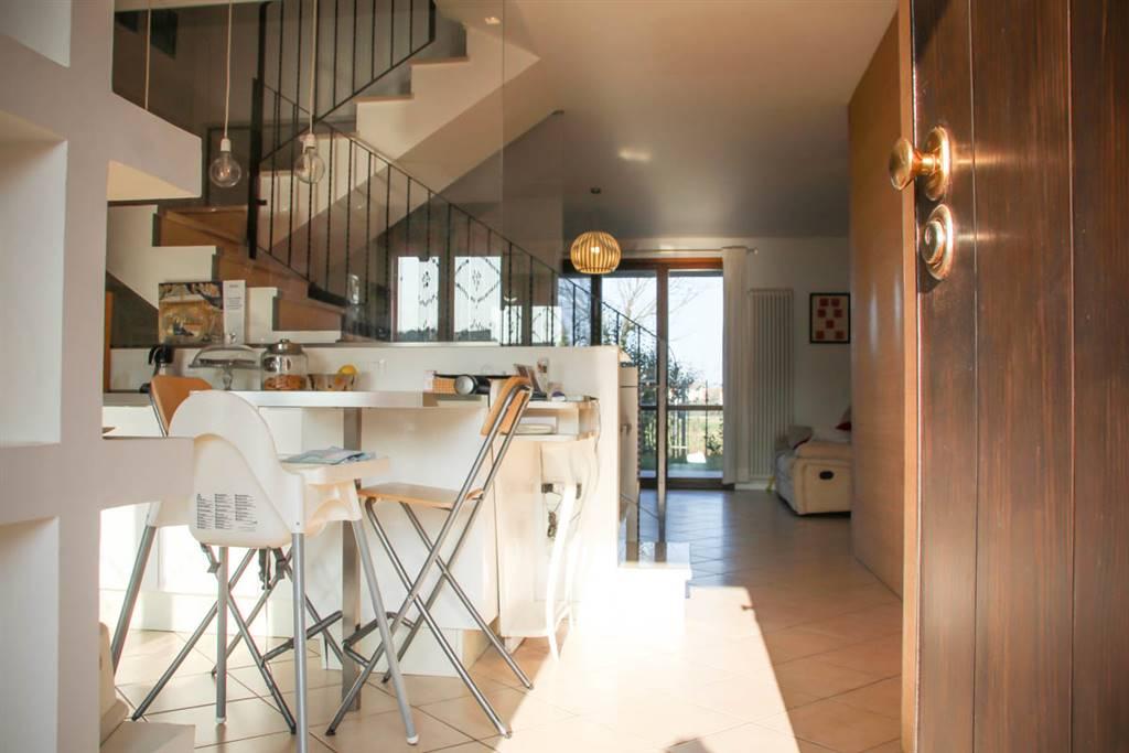 Villa a Schiera in vendita a Santarcangelo di Romagna, 8 locali, zona Località: SANTERMETE, prezzo € 295.000 | CambioCasa.it