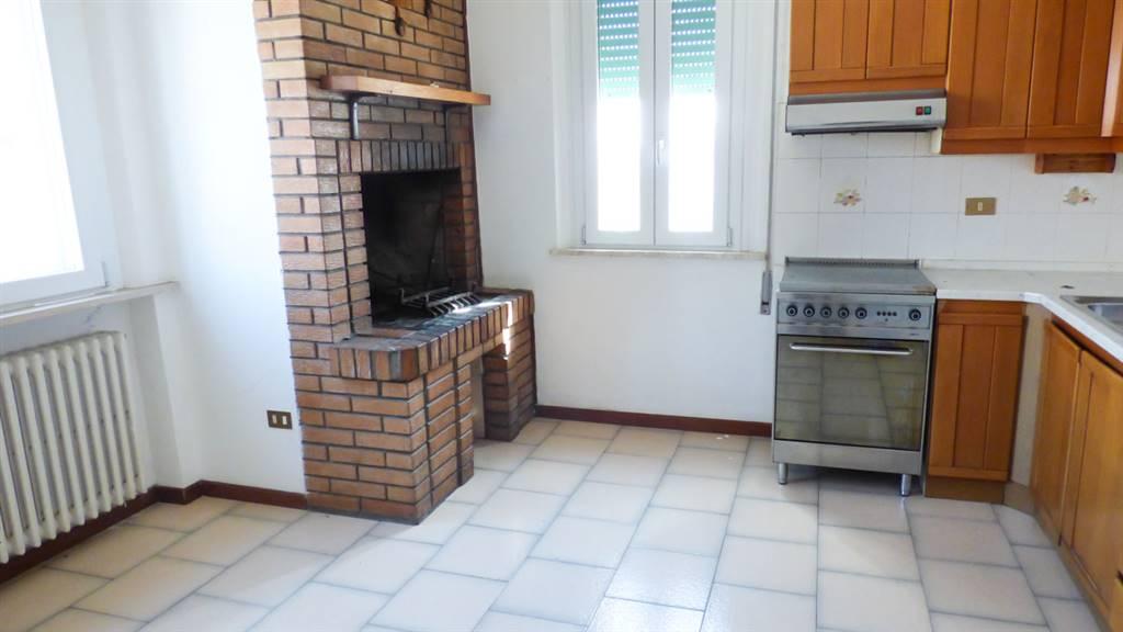 Soluzione Indipendente in vendita a Rimini, 5 locali, zona Zona: Viserba, prezzo € 168.000 | Cambio Casa.it