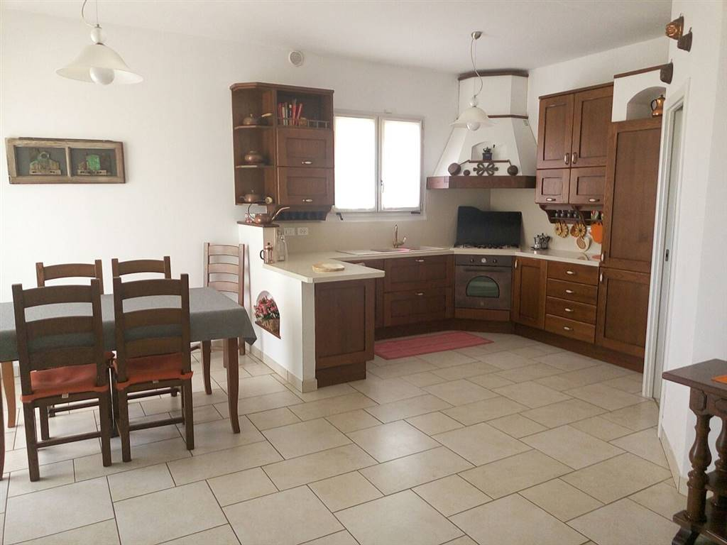 Villa in vendita a Santarcangelo di Romagna, 8 locali, zona Località: SANTERMETE, prezzo € 570.000 | CambioCasa.it