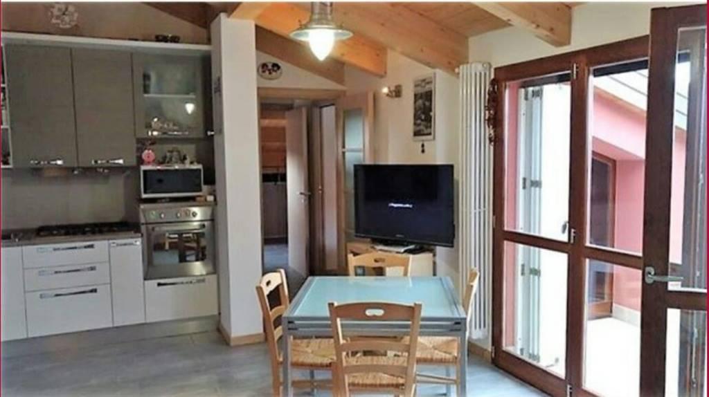 Appartamento in vendita a Rimini, 3 locali, zona Zona: Via Coriano, prezzo € 180.000 | CambioCasa.it