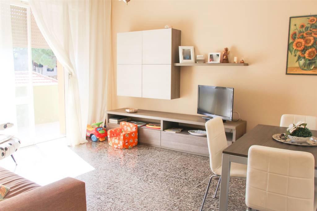 Appartamento in vendita a Rimini, 5 locali, zona Zona: Centro storico, prezzo € 225.000 | CambioCasa.it