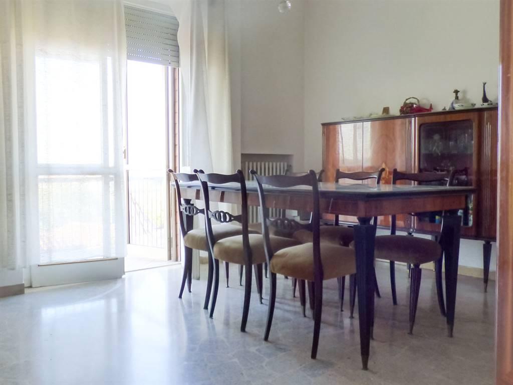 Appartamento in vendita a Rimini, 3 locali, zona Zona: San Giuliano, prezzo € 185.000 | CambioCasa.it