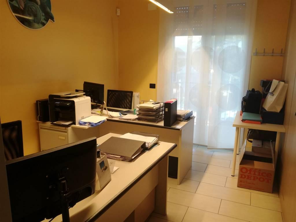 Appartamento in vendita a Rimini, 4 locali, zona Zona: San Giuliano Mare, prezzo € 170.000 | CambioCasa.it