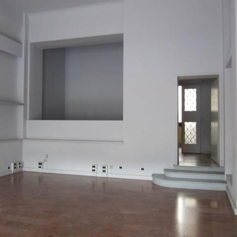 Negozio / Locale in affitto a Firenze, 2 locali, zona Zona: 16 . Le Cure, prezzo € 1.200 | Cambio Casa.it