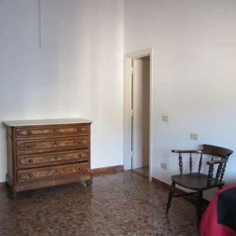 Appartamento in affitto a Prato, 3 locali, zona Zona: Repubblica, prezzo € 500 | Cambio Casa.it