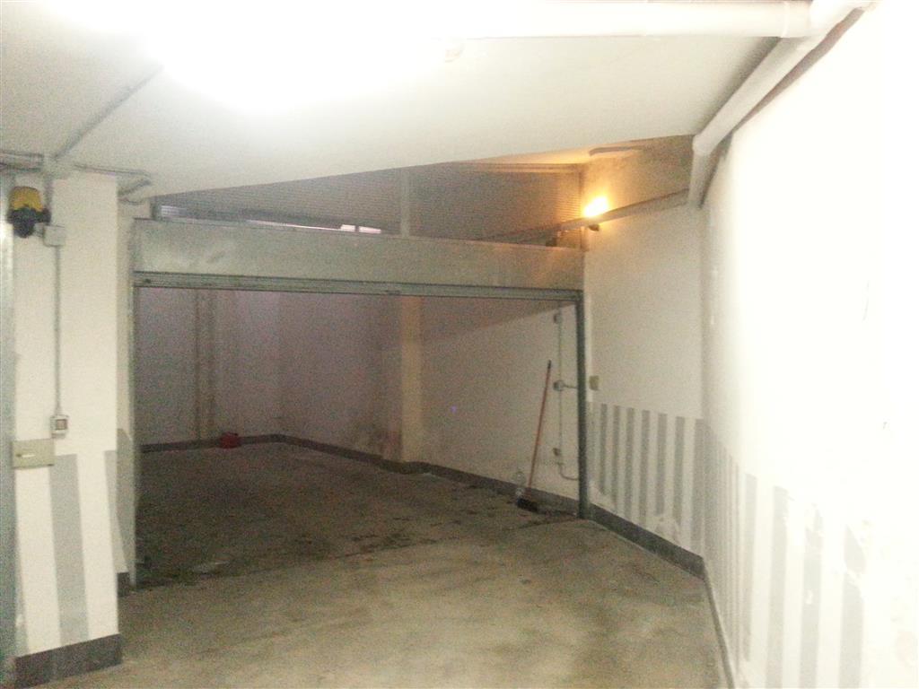 Box / Garage in vendita a Salerno, 1 locali, zona Zona: Centro, prezzo € 58.000   Cambio Casa.it