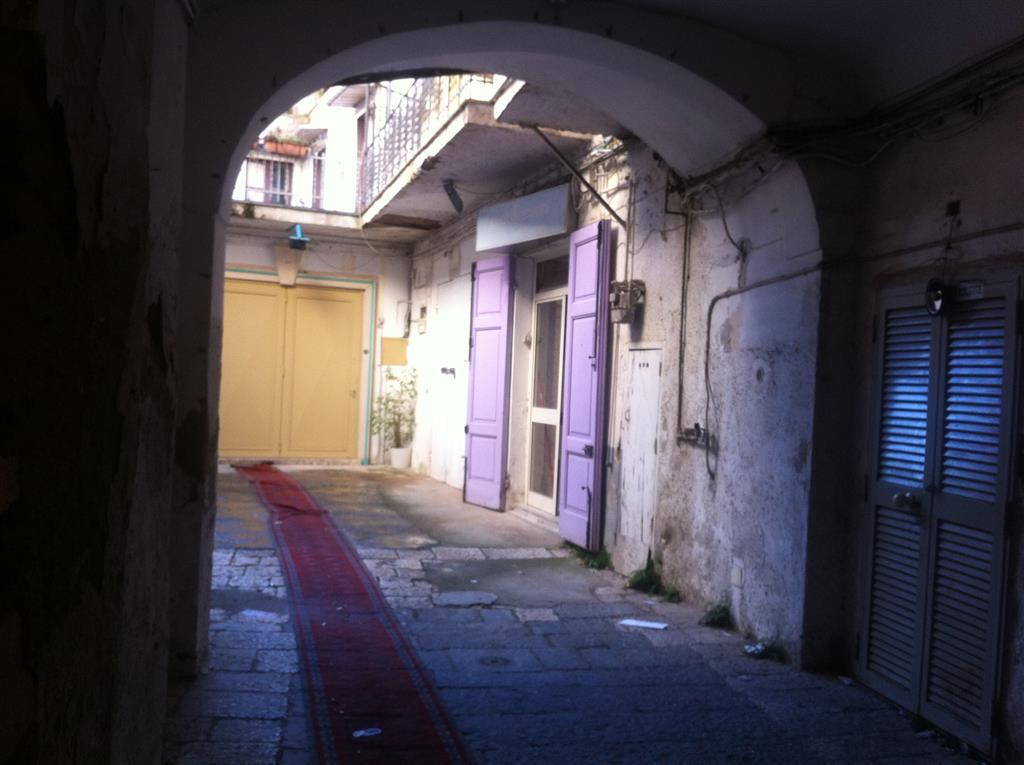Negozio / Locale in vendita a Caserta, 1 locali, zona Zona: Centro, prezzo € 35.000 | Cambio Casa.it
