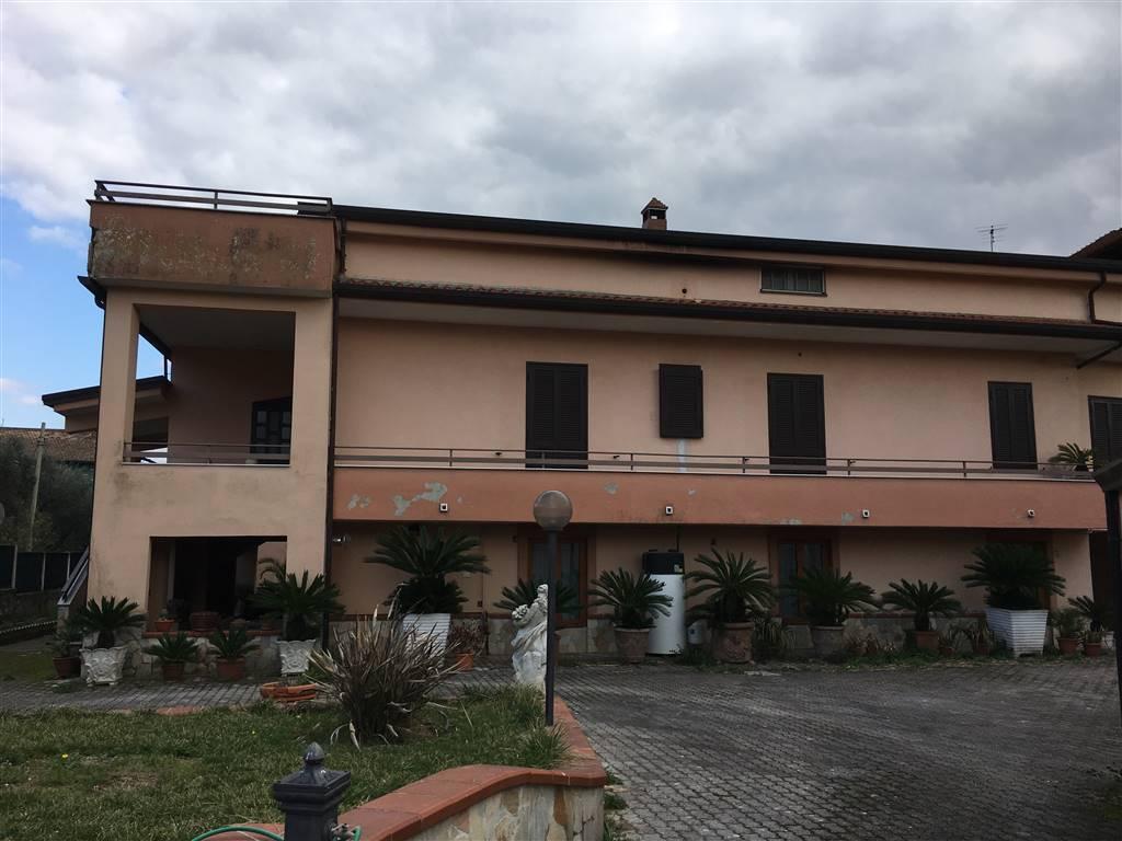 Soluzione Indipendente in vendita a Piana di Monte Verna, 15 locali, zona Zona: Villa Santa Croce, prezzo € 340.000 | CambioCasa.it