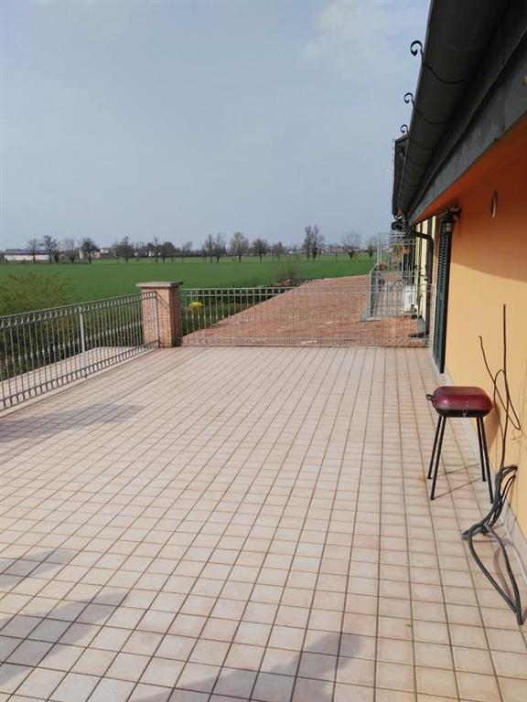 Appartamento in vendita a Gossolengo, 3 locali, zona Zona: Quarto, prezzo € 140.000   CambioCasa.it
