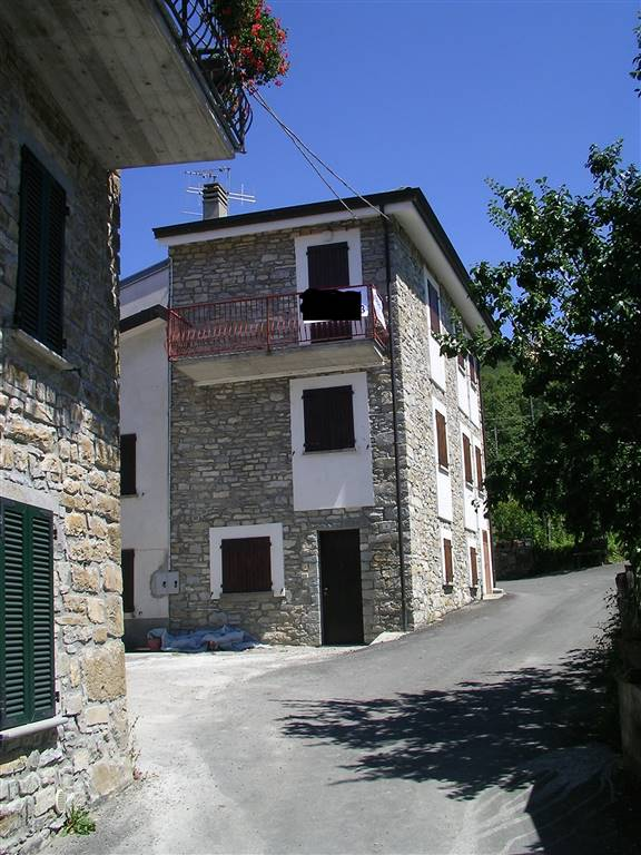 Casa semi indipendente, Brugneto, Ferriere, ristrutturato