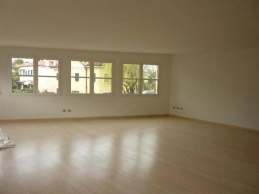 Loft / Openspace in vendita a Padova, 6 locali, zona Zona: 4 . Sud-Est (S.Croce-S. Osvaldo, Bassanello-Voltabarozzo), Trattative riservate | Cambio Casa.it