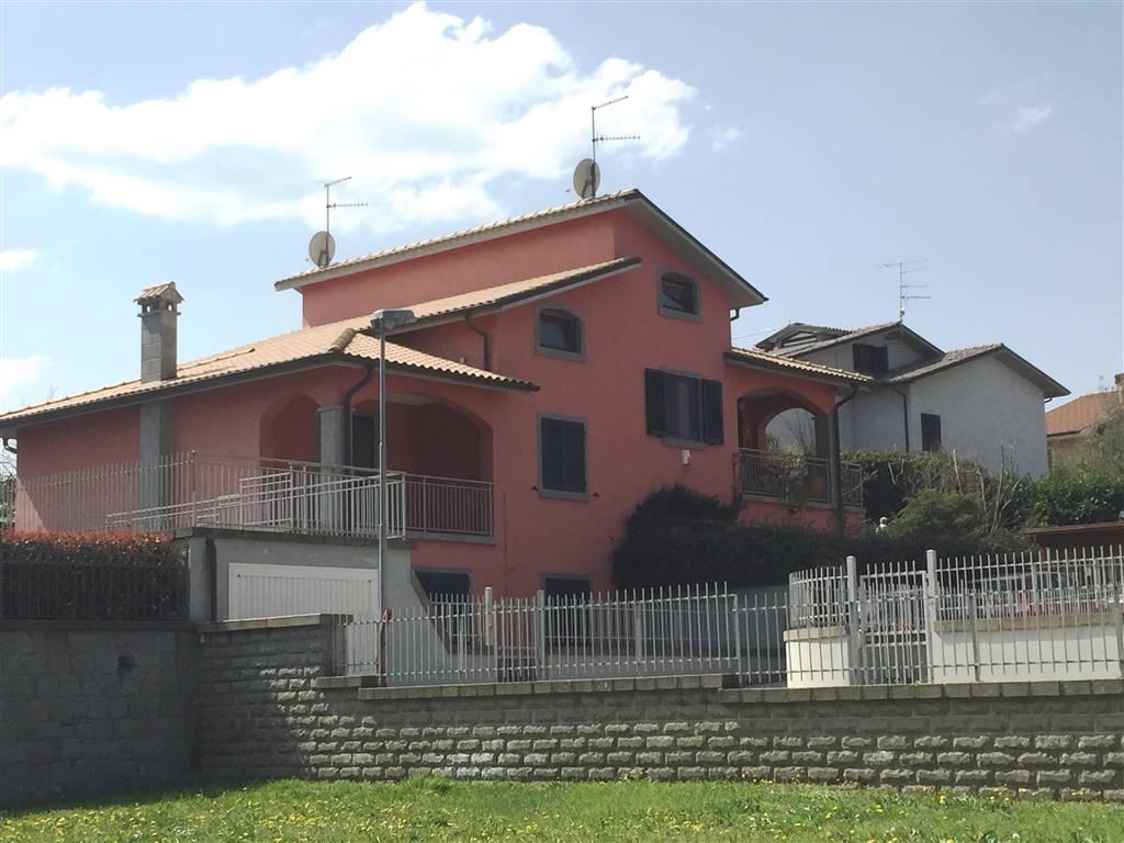 Villa in vendita a Vitorchiano, 5 locali, zona Località: PAPARANO, prezzo € 215.000 | Cambio Casa.it