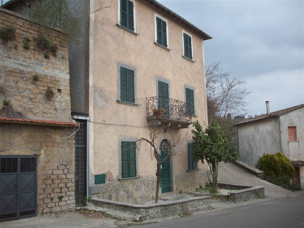 Soluzione Indipendente in vendita a Viterbo, 6 locali, zona Zona: Roccalvecce, prezzo € 98.000   CambioCasa.it