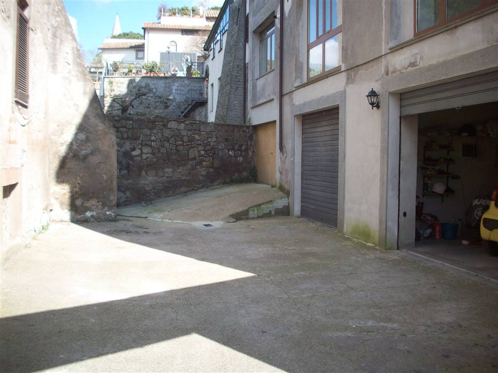 Box / Garage in vendita a Viterbo, 1 locali, zona Zona: Centro, prezzo € 47.000   CambioCasa.it