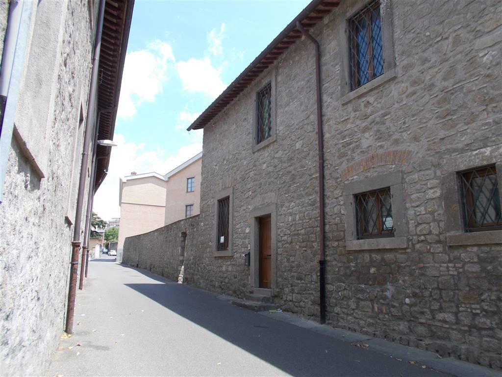 Soluzione Indipendente in affitto a Viterbo, 4 locali, zona Località: PILA, prezzo € 600 | Cambio Casa.it