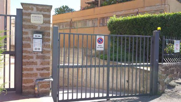 Box / Garage in vendita a Viterbo, 1 locali, zona Località: SANTA LUCIA, prezzo € 30.000 | CambioCasa.it