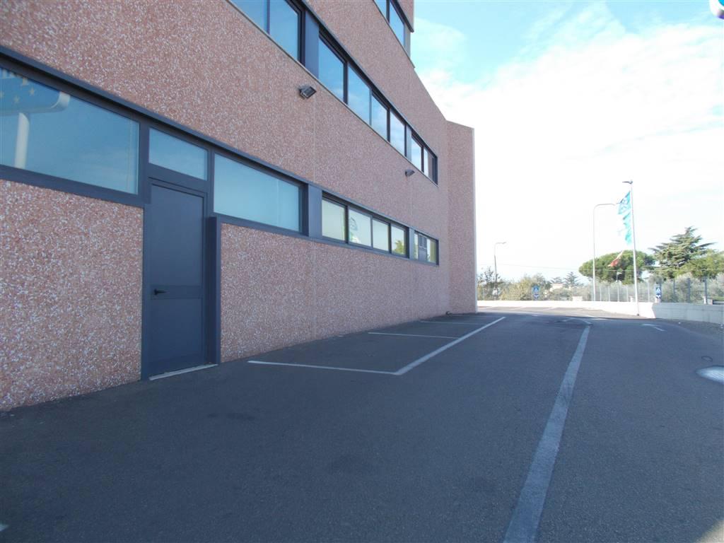 Ufficio / Studio in affitto a Viterbo, 9999 locali, zona Località: SANTA BARBARA, prezzo € 800 | CambioCasa.it