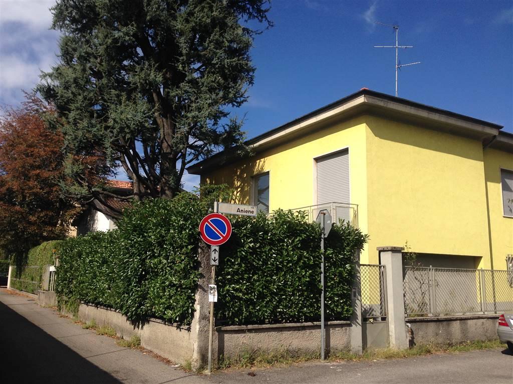 Villa in vendita a Monza, 5 locali, zona Zona: 6 . Triante, San Fruttuoso, Taccona, prezzo € 420.000 | Cambio Casa.it