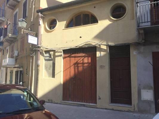 Magazzino in vendita a Licata, 2 locali, zona Località: CENTRO, prezzo € 59.000 | Cambio Casa.it