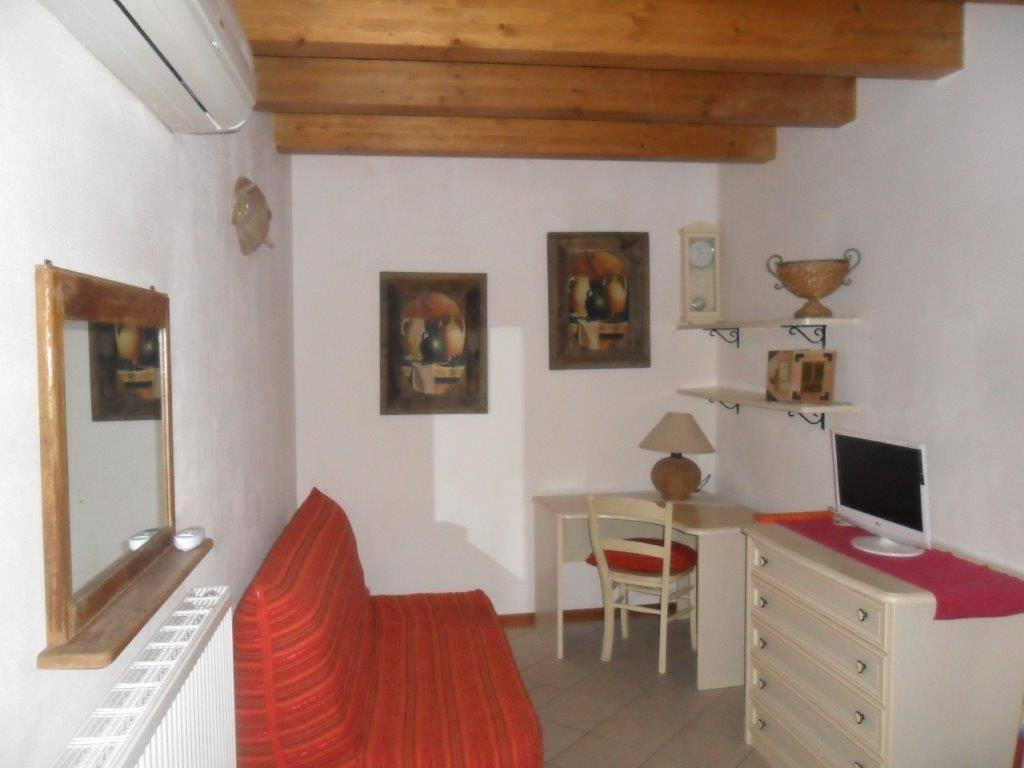 Appartamento in affitto a Gorizia, 2 locali, zona Zona: Centro storico, prezzo € 380 | Cambio Casa.it