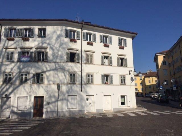 Appartamento in vendita a Gorizia, 4 locali, zona Zona: Centro storico, prezzo € 100.000 | Cambio Casa.it