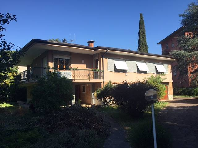 Villa in vendita a Gorizia, 7 locali, zona Zona: Centro storico, Trattative riservate | Cambio Casa.it