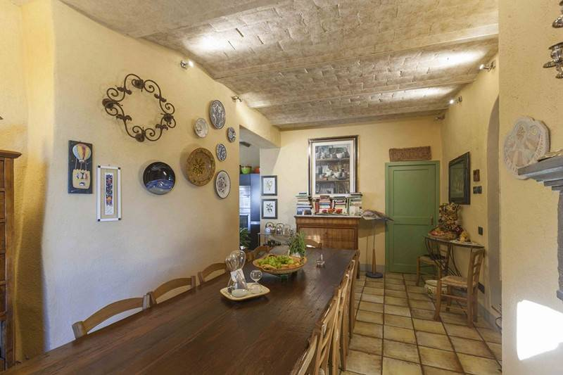 Pranzo: Villa, San Donato In Poggio, Tavarnelle Val Di Pesa, in ottime condizioni