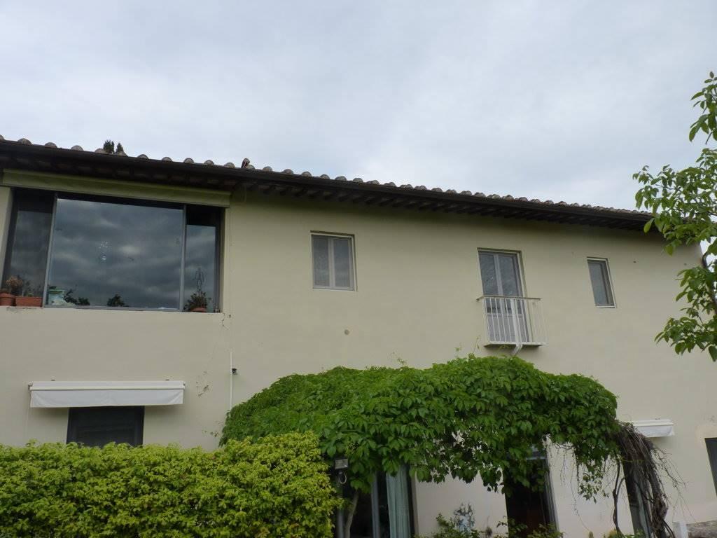 Soluzione Indipendente in affitto a Firenze, 6 locali, zona Località: PIAN DEI GIULLARI, prezzo € 3.000   Cambio Casa.it