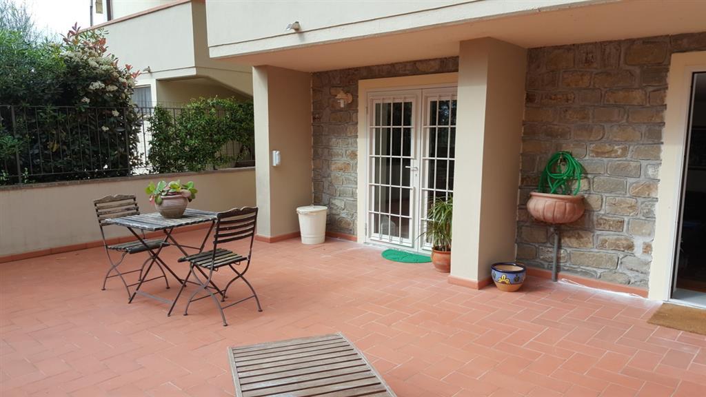 Soluzione Indipendente in vendita a Quarrata, 5 locali, zona Zona: Tizzana, prezzo € 300.000 | Cambio Casa.it