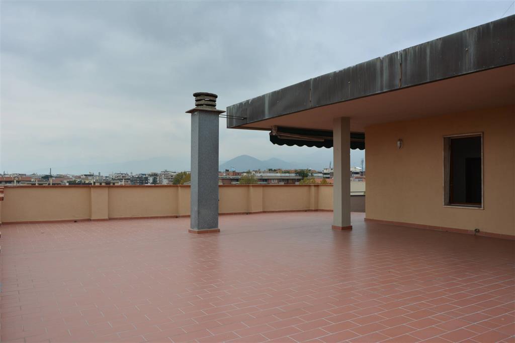 Attico / Mansarda in vendita a Prato, 6 locali, zona Zona: Repubblica, prezzo € 420.000 | Cambio Casa.it