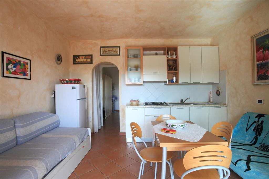 Soluzione Indipendente in vendita a Golfo Aranci, 2 locali, prezzo € 170.000 | Cambio Casa.it