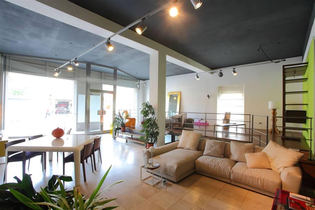 Negozio / Locale in vendita a Olbia - Porto Rotondo, 4 locali, zona Zona: Olbia città, prezzo € 350.000 | Cambio Casa.it